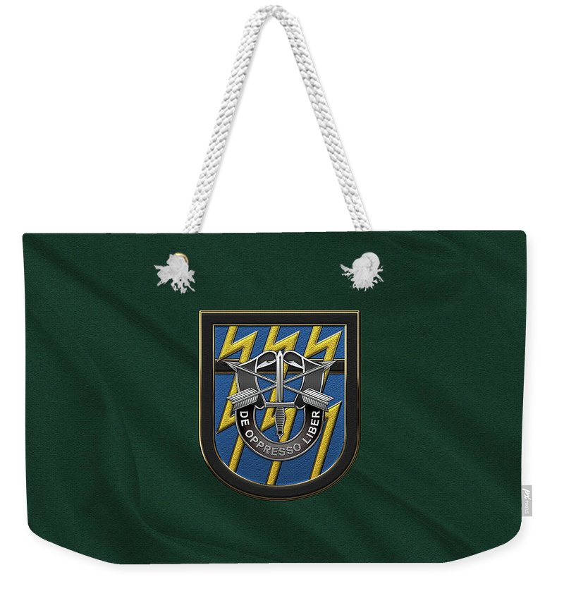 'u.s. Army Special Forces' Collection By Serge Averbukh Weekender Tote Bag featuring the digital art U. S. Army 12th Special Forces Group - 12 S F G Beret Flash Over Green Beret Felt by Serge Averbukh