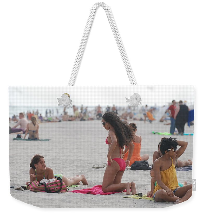 Girls Weekender Tote Bag featuring the photograph At The Beach by Rob Hans