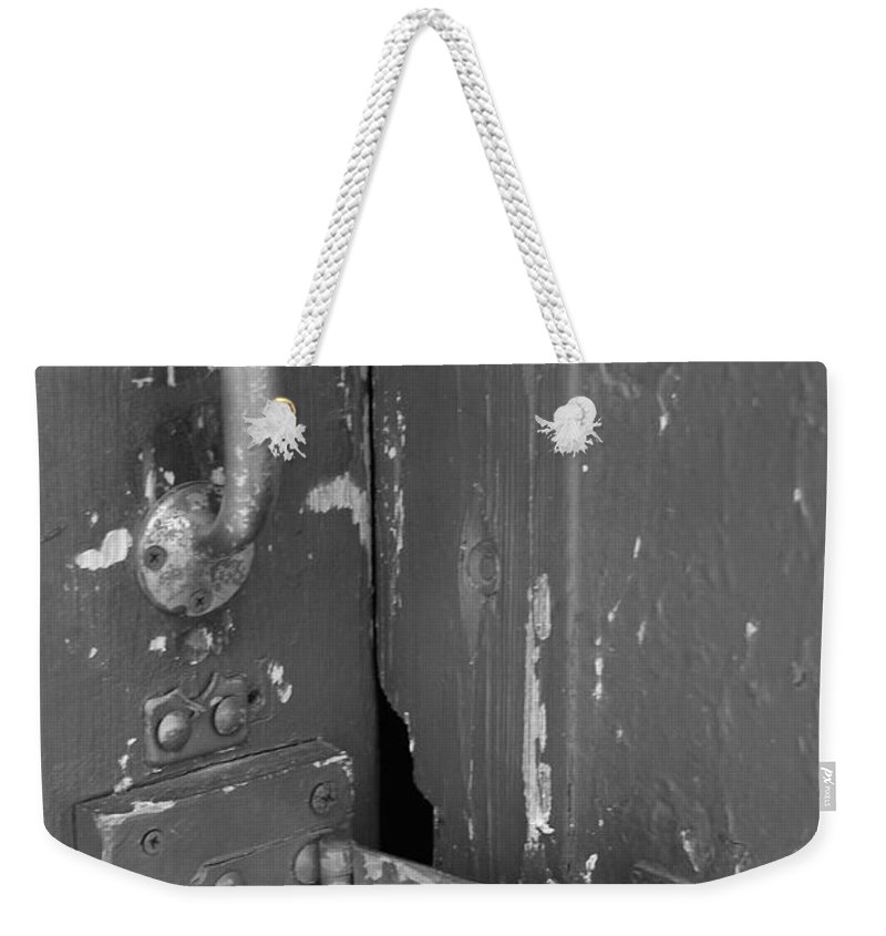 Train Station Weekender Tote Bag featuring the photograph Attempted by Rob Hans