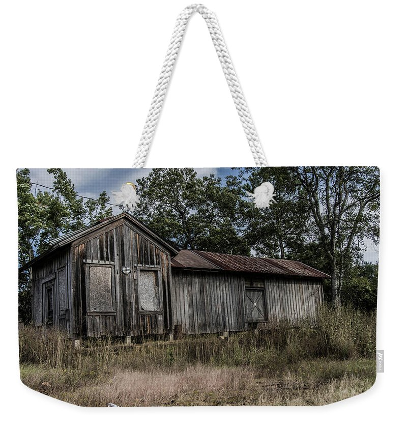 Avinger Weekender Tote Bag featuring the photograph Avinger Depot 2 by Darrell Clakley