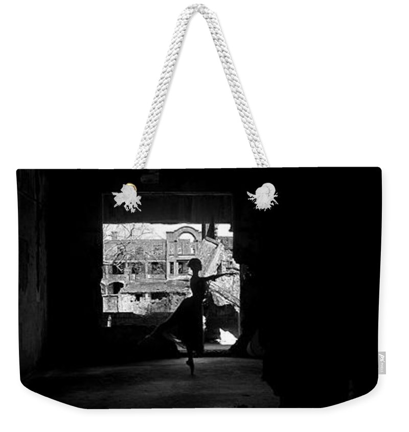 Ballet Dancer Weekender Tote Bag featuring the photograph Ballet Dancer10 by George Cabig