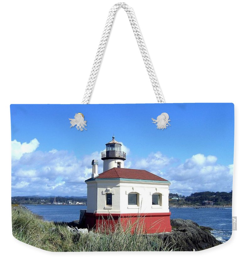 Coquille Lighthouse Weekender Tote Bag featuring the photograph Bandon 1 by Will Borden