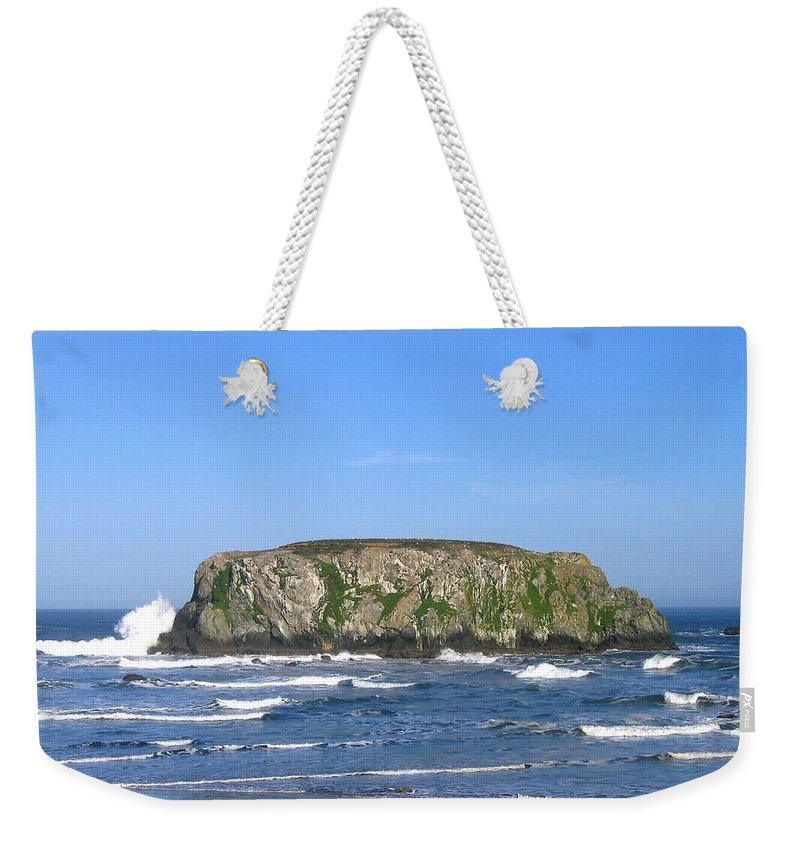 Table Rock Weekender Tote Bag featuring the photograph Bandon 12 by Will Borden