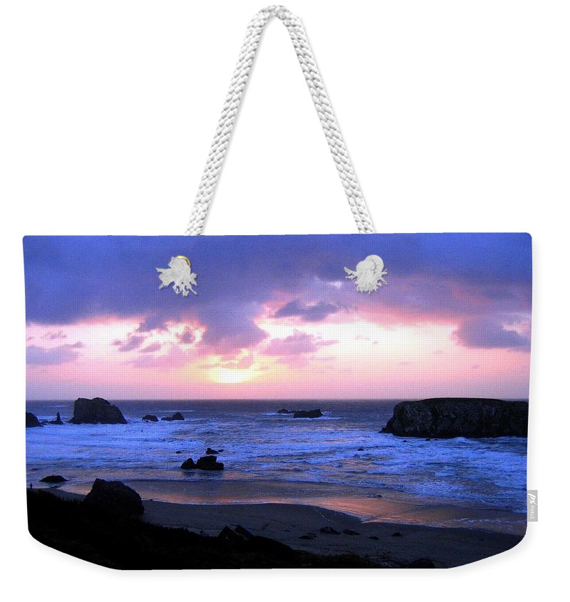 Bandon Weekender Tote Bag featuring the photograph Bandon 27 by Will Borden