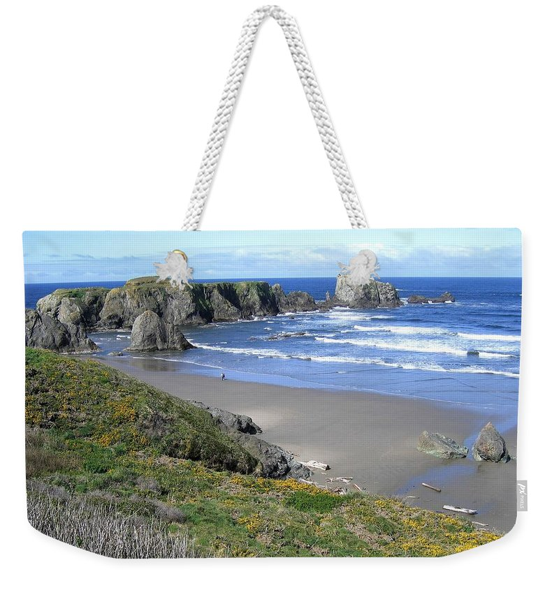 Bandon Weekender Tote Bag featuring the photograph Bandon 8 by Will Borden