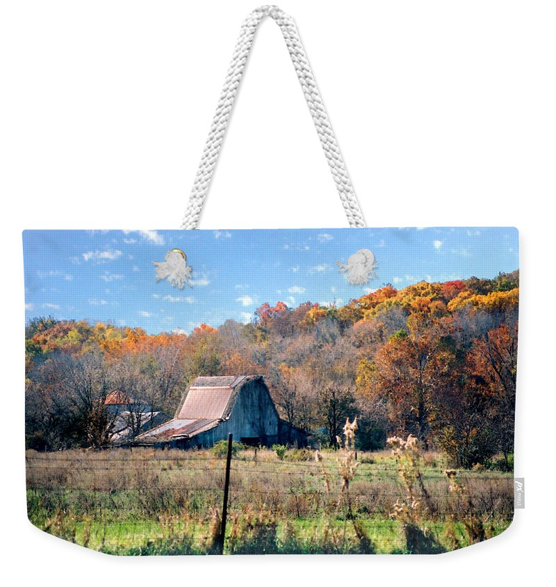 Landscape Weekender Tote Bag featuring the photograph Barn In Liberty Mo by Steve Karol