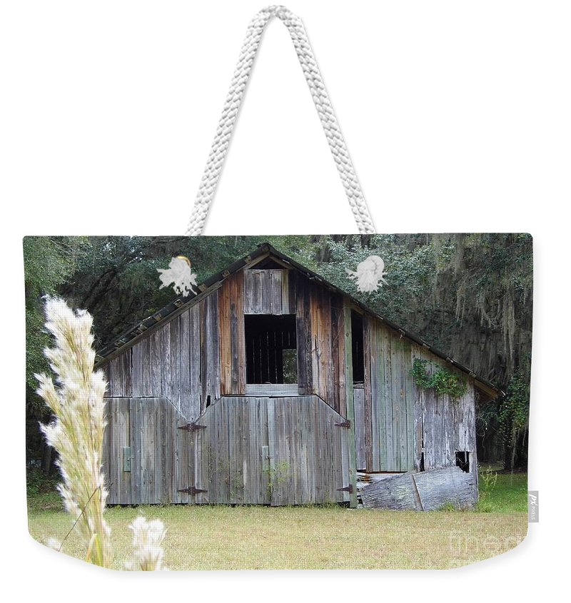 Barn Weekender Tote Bag featuring the photograph Barn In The Woods by D Hackett