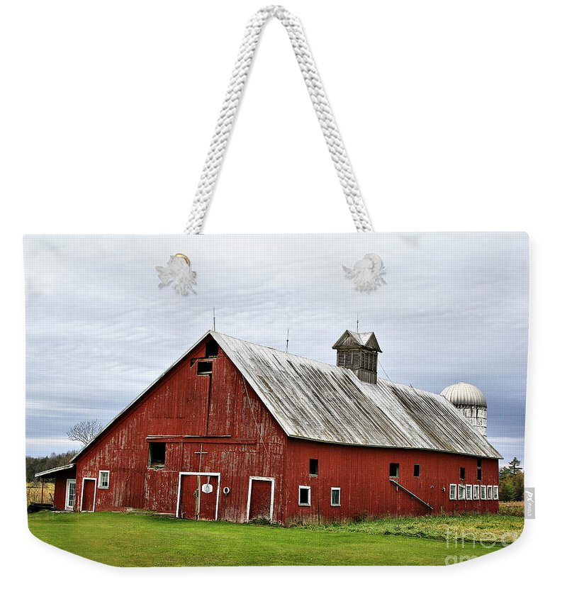 Barn Weekender Tote Bag featuring the photograph Barn With A Cross by Deborah Benoit