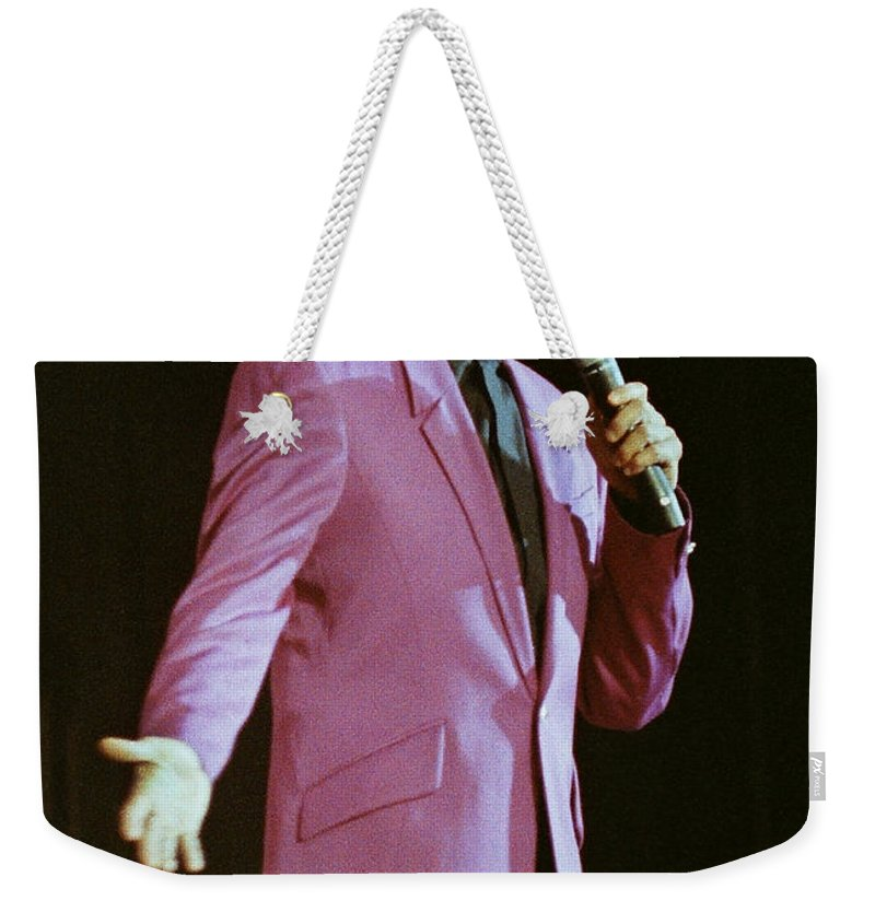 Barry Manilow Weekender Tote Bag featuring the photograph Barry Manilow-0774 by Gary Gingrich Galleries