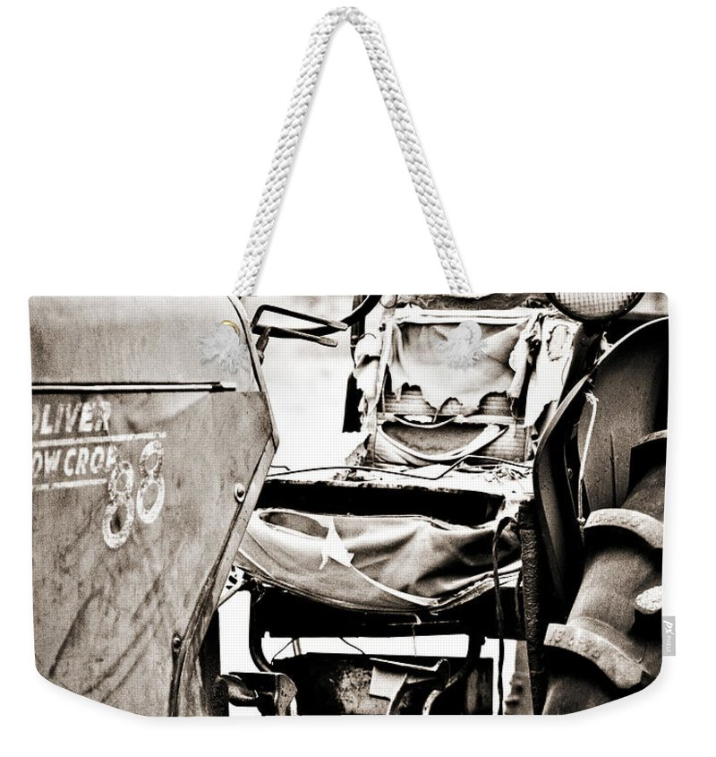 Americana Weekender Tote Bag featuring the photograph Beautiful Oliver Row Crop Old Tractor by Marilyn Hunt