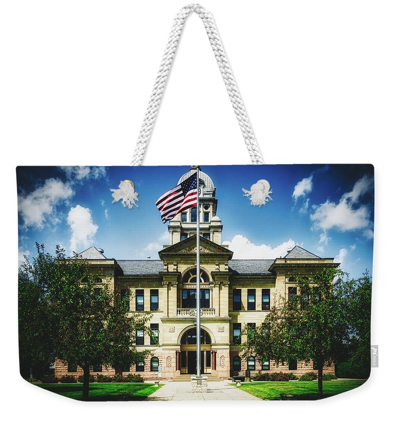 Benton County Weekender Tote Bag featuring the photograph Benton County Courthouse - Vinton, Iowa by Loc