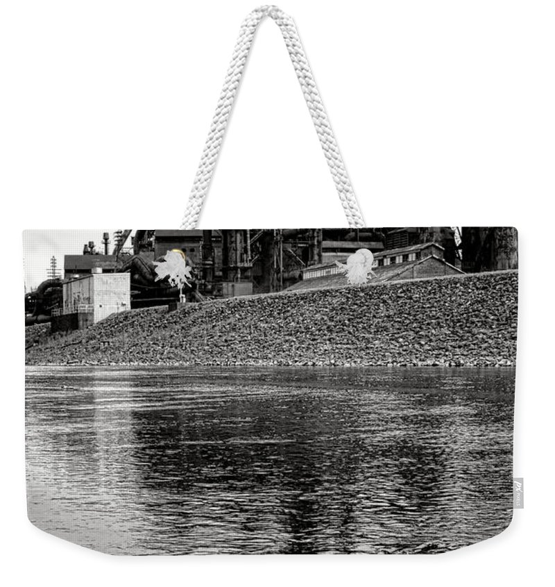 Bethlehem Weekender Tote Bag featuring the photograph Bethlehem On The Lehigh by Olivier Le Queinec