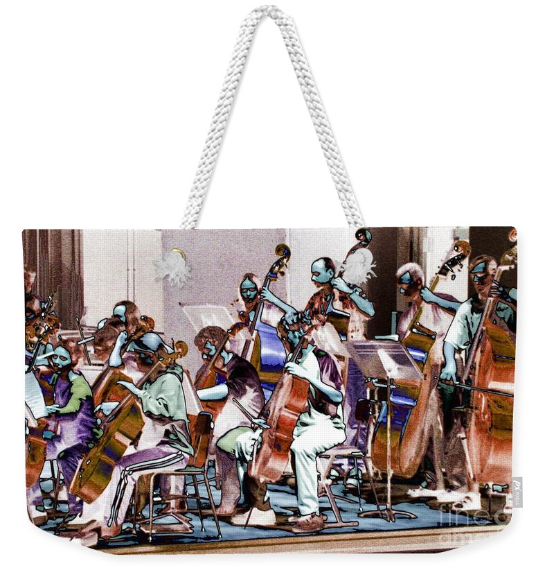 Upright Base Weekender Tote Bag featuring the photograph Big String 1 by Ron Bissett