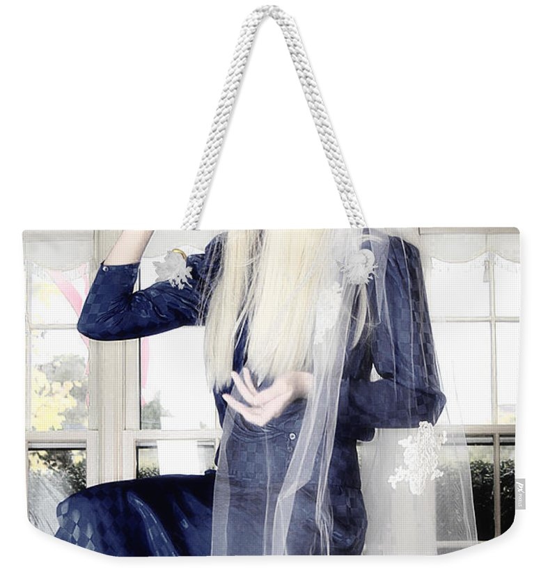 Clay Weekender Tote Bag featuring the photograph Blanco Beauty by Clayton Bruster