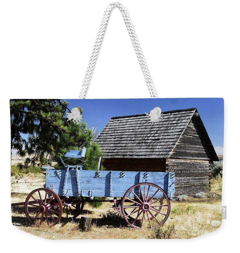 Wagon Weekender Tote Bag featuring the photograph Blue Wagon by David Lee Thompson