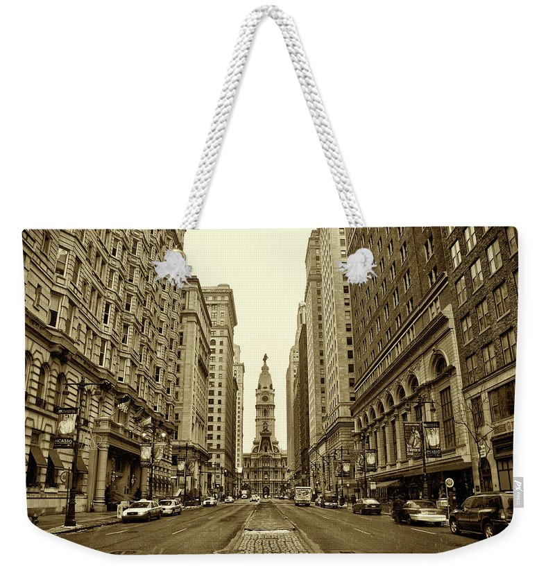 Broad Street Weekender Tote Bag featuring the photograph Broad Street Facing Philadelphia City Hall In Sepia by Bill Cannon