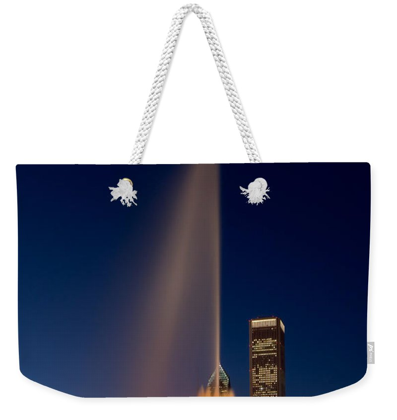 Buckingham Weekender Tote Bag featuring the photograph Buckingham Fountain Chicago by Steve Gadomski