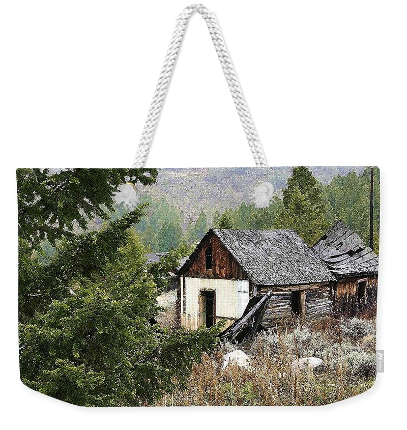 Cabin Weekender Tote Bag featuring the photograph Cabin In Need Of Repair by Nelson Strong