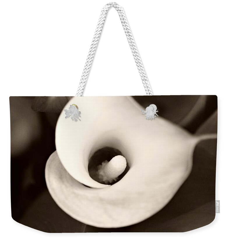 Calla Lily Weekender Tote Bag featuring the photograph Calla Lily by Marilyn Hunt