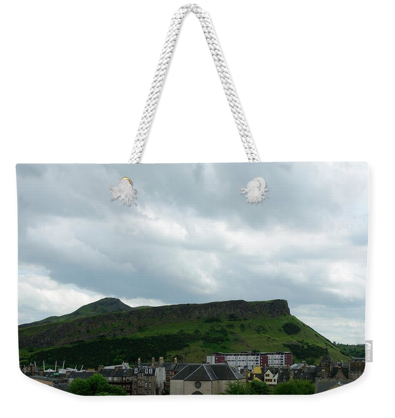 Edinburgh Weekender Tote Bag featuring the photograph Canongate Kirk by Ger Determan