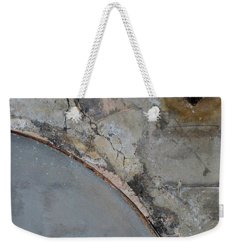 Architecture Weekender Tote Bag featuring the photograph Carlton 5 by Tim Nyberg