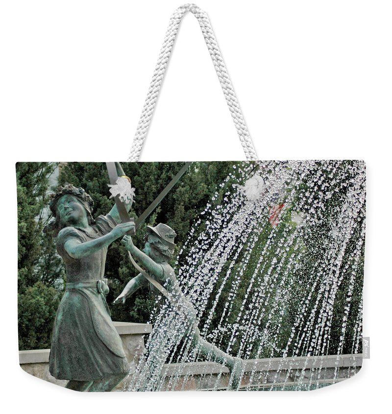 Usa Weekender Tote Bag featuring the photograph Chase Around The May Pole by LeeAnn McLaneGoetz McLaneGoetzStudioLLCcom