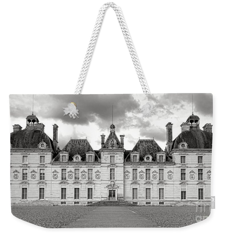 Chateau Weekender Tote Bag featuring the photograph Chateau De Cheverny by Olivier Le Queinec