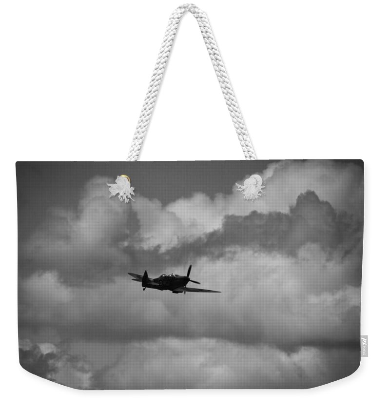 Supermarine Spitfire Tr Ix Weekender Tote Bag featuring the photograph Climb Into The Clouds by Robert Phelan