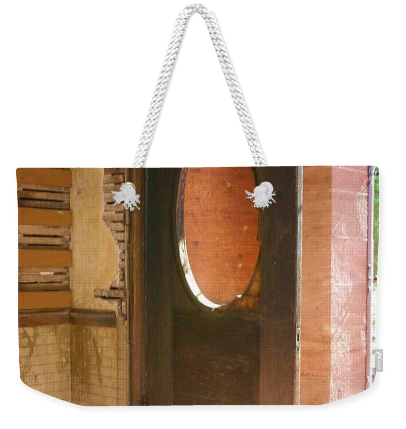Door Weekender Tote Bag featuring the photograph C'mon In by Nelson Strong