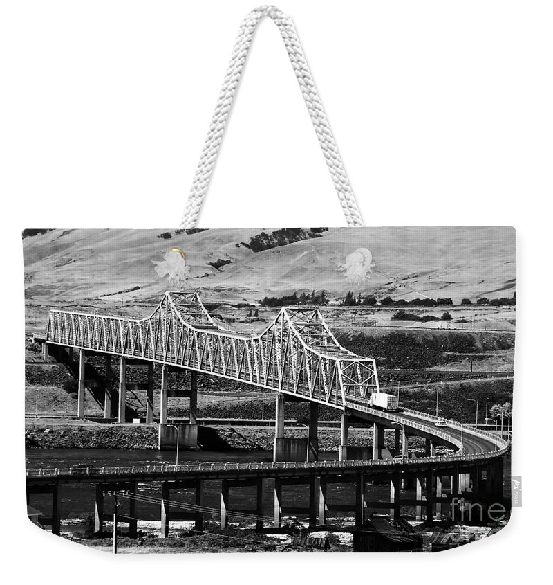 Columbia River Weekender Tote Bag featuring the photograph Columbia River Crossing by David Lee Thompson