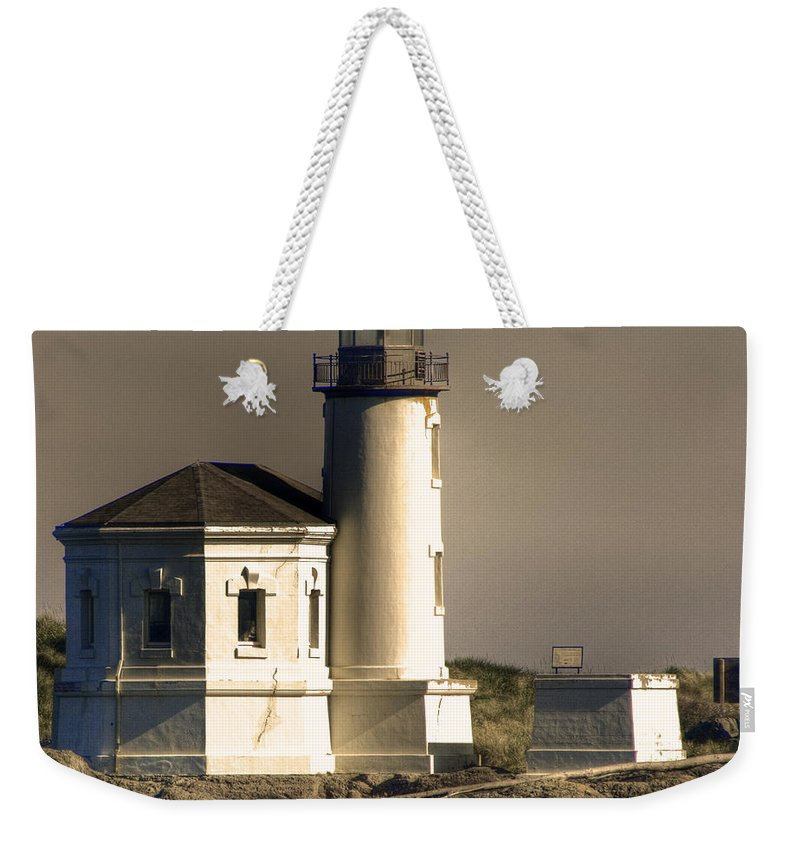 Oregon Coast Weekender Tote Bag featuring the photograph Coquille River Lighthouse by Lee Santa