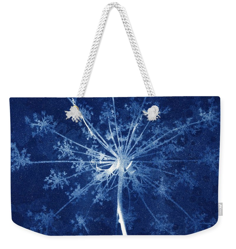Blue Weekender Tote Bag featuring the photograph Cow Parsley by Elspeth Ross