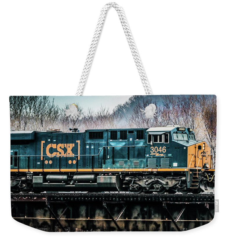 Csx Weekender Tote Bag featuring the photograph Cs X Ge Engine 3046 On Trestle by Thomas Marchessault