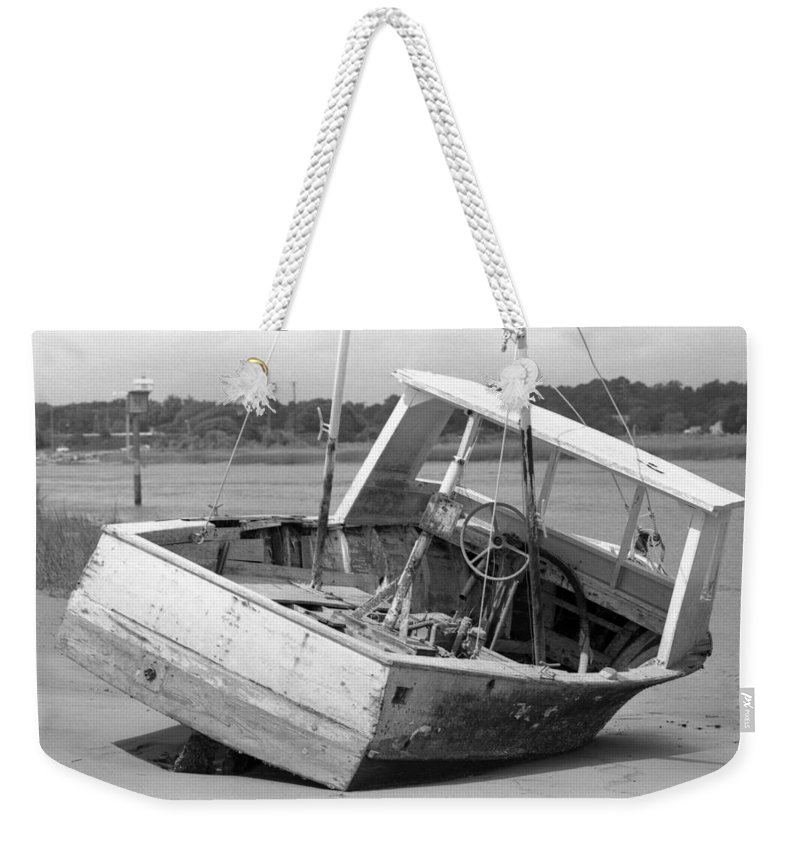 Abandoned Weekender Tote Bag featuring the photograph Decommissioned by Richard Rizzo