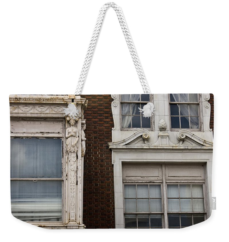 Roanoke Weekender Tote Bag featuring the photograph Details Of The Patrick Henry Hotel Roanoke Virginia by Teresa Mucha