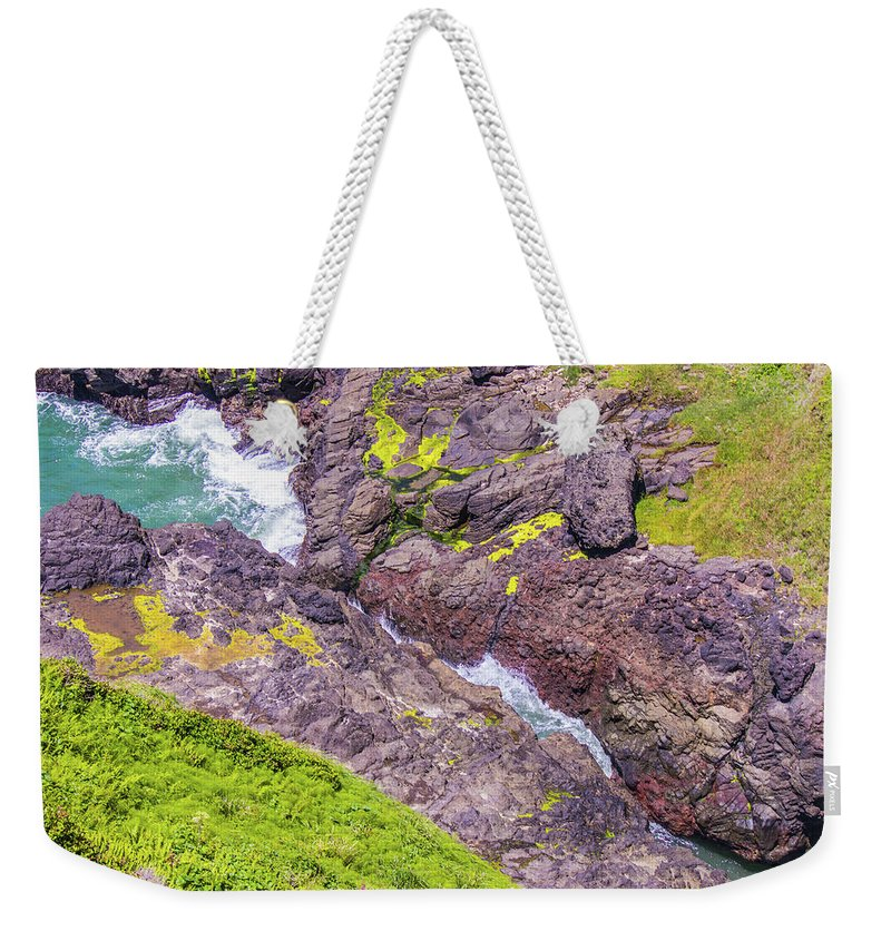 Oregon Weekender Tote Bag featuring the photograph Devils Crack by Jonny D