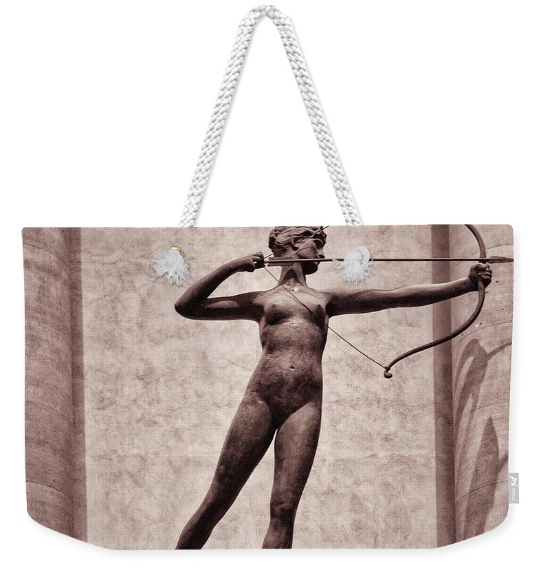 Madison Square Garden Weekender Tote Bag featuring the photograph Diana - Goddess Of Hunt by Bill Cannon