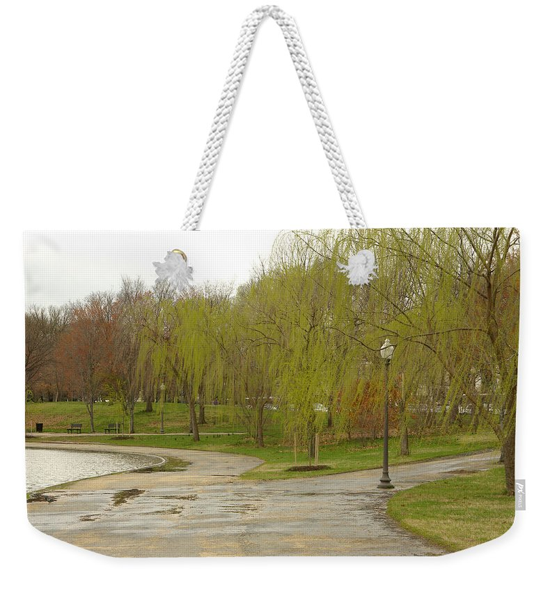 Landscape Park Washington Willow Tree Lake Weekender Tote Bag featuring the photograph Dnrf0401 by Henry Butz