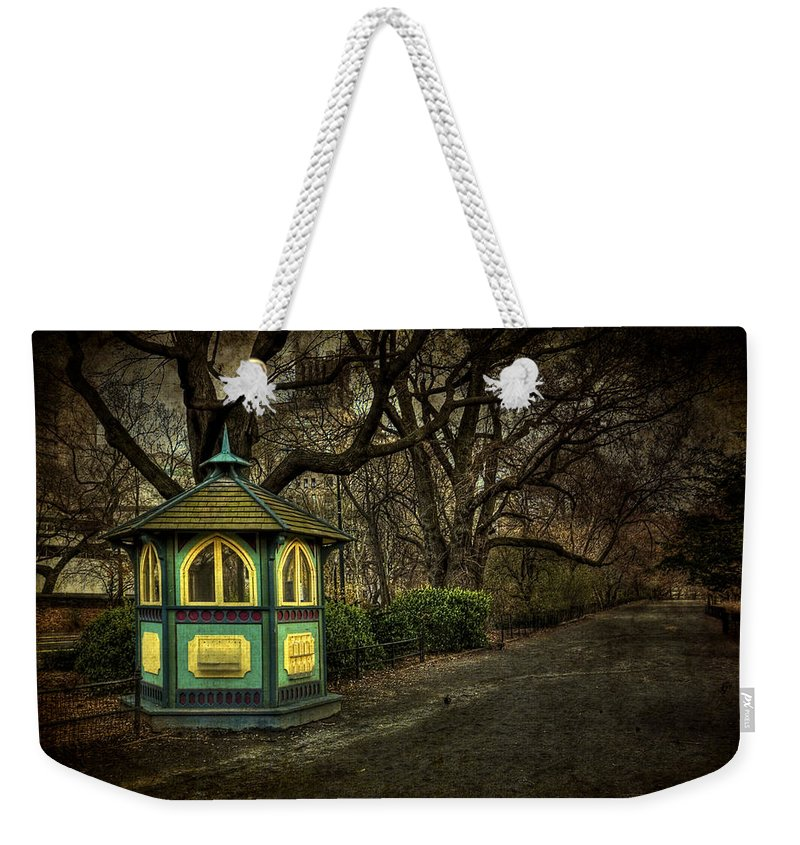 Central Park Weekender Tote Bag featuring the photograph Dreamcatcher by Evelina Kremsdorf