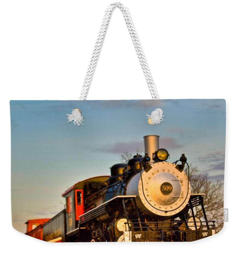 Engine Weekender Tote Bag featuring the photograph Engine 509 At Crossville Tennessee Puffing by Douglas Barnett