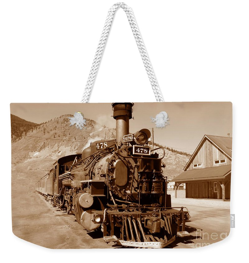 Train Weekender Tote Bag featuring the photograph Engine Number 478 by David Lee Thompson
