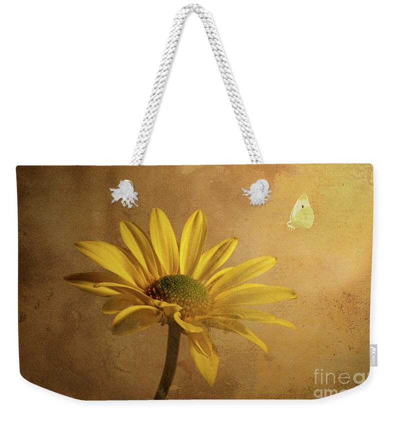 Daisy Weekender Tote Bag featuring the photograph Expectant by Lois Bryan