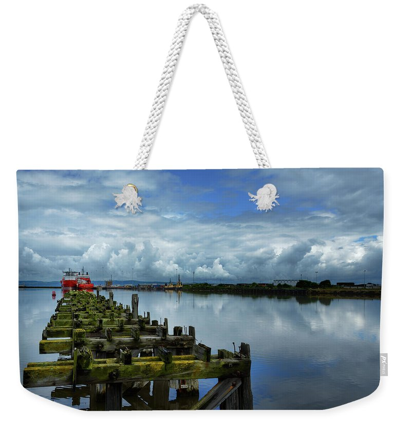 Firth Of Forth Weekender Tote Bag featuring the photograph Firth Of Forth by Ger Determan