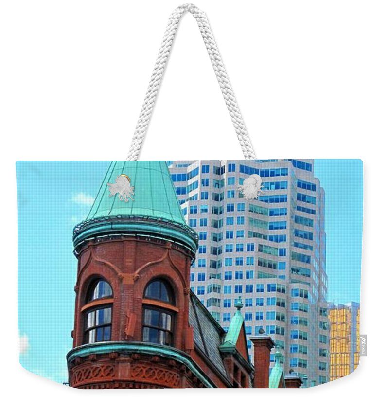 Flat Iron Building Weekender Tote Bag featuring the photograph Flat Iron Building by Ian MacDonald