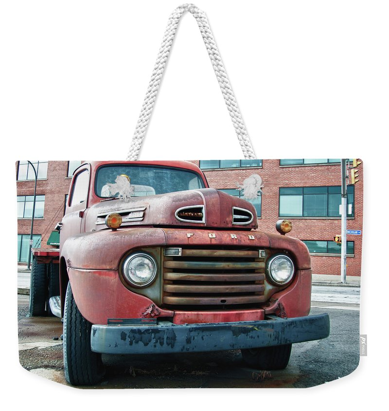 Antique Car Weekender Tote Bag featuring the photograph Ford 4625 by Guy Whiteley