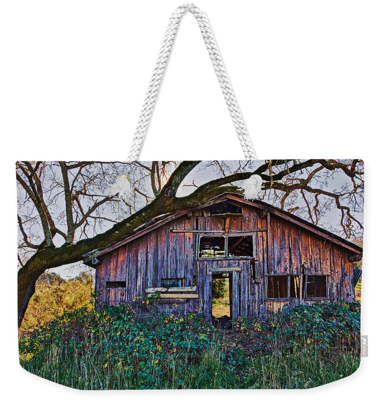 Barn Weekender Tote Bag featuring the photograph Forgotten Barn by Garry Gay