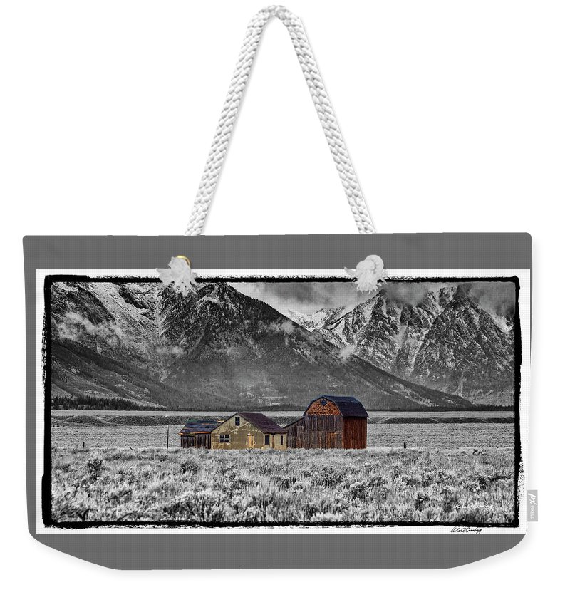 Grand Tetons Weekender Tote Bag featuring the photograph Forgotten Homestead by Richard Cronberg