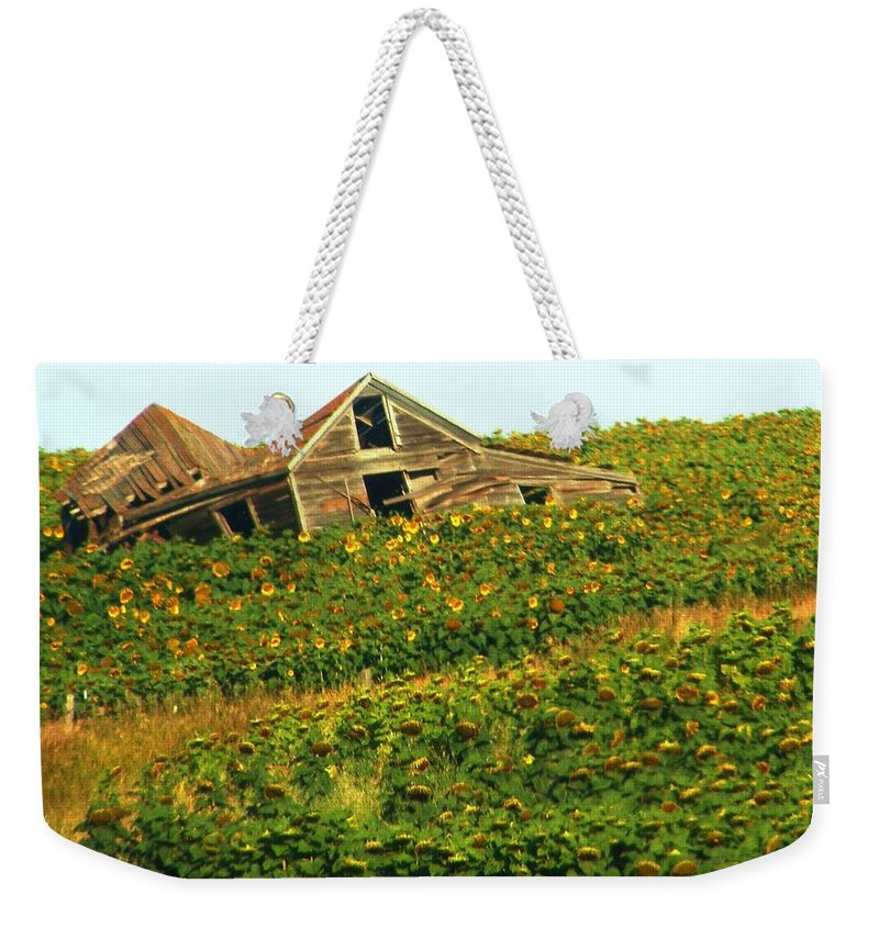 Old Building Weekender Tote Bag featuring the photograph Forgotten by Marilyn Smith