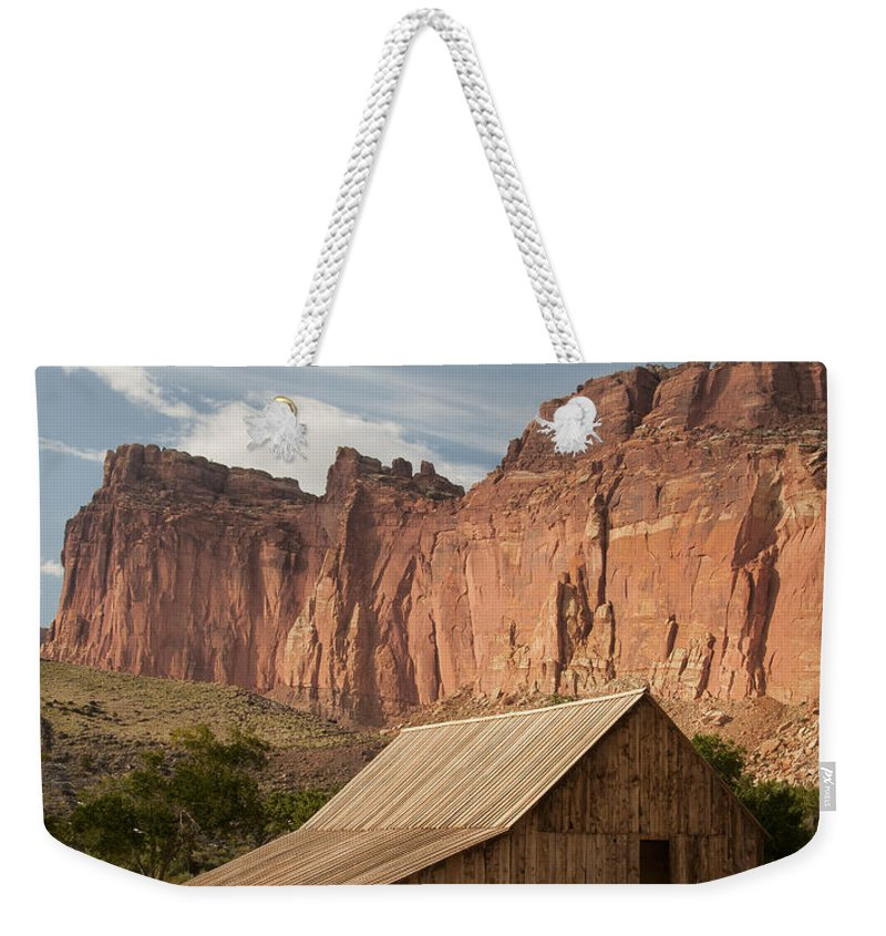 Barn Weekender Tote Bag featuring the photograph Fruita Barn 0407 by Bob Neiman