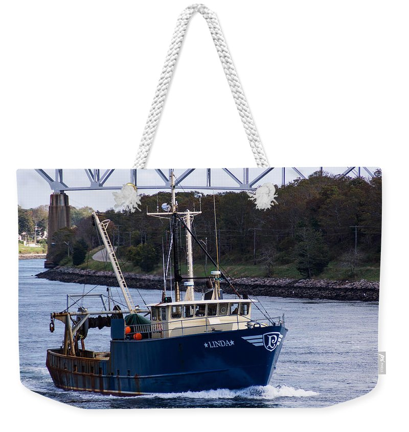 Fv Weekender Tote Bag featuring the photograph Fv Linda by Mike Poland